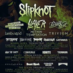 RESURRECTION FEST AMPLIA SU CARTEL
